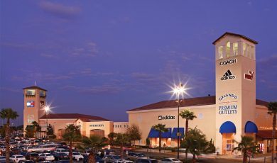 Premium_Outlets_shopping_americanvacation_living_orlando-1-390x230 - disney